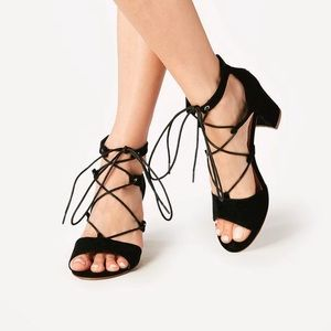 Black Brand new in box heeled sandals 7 strap lace